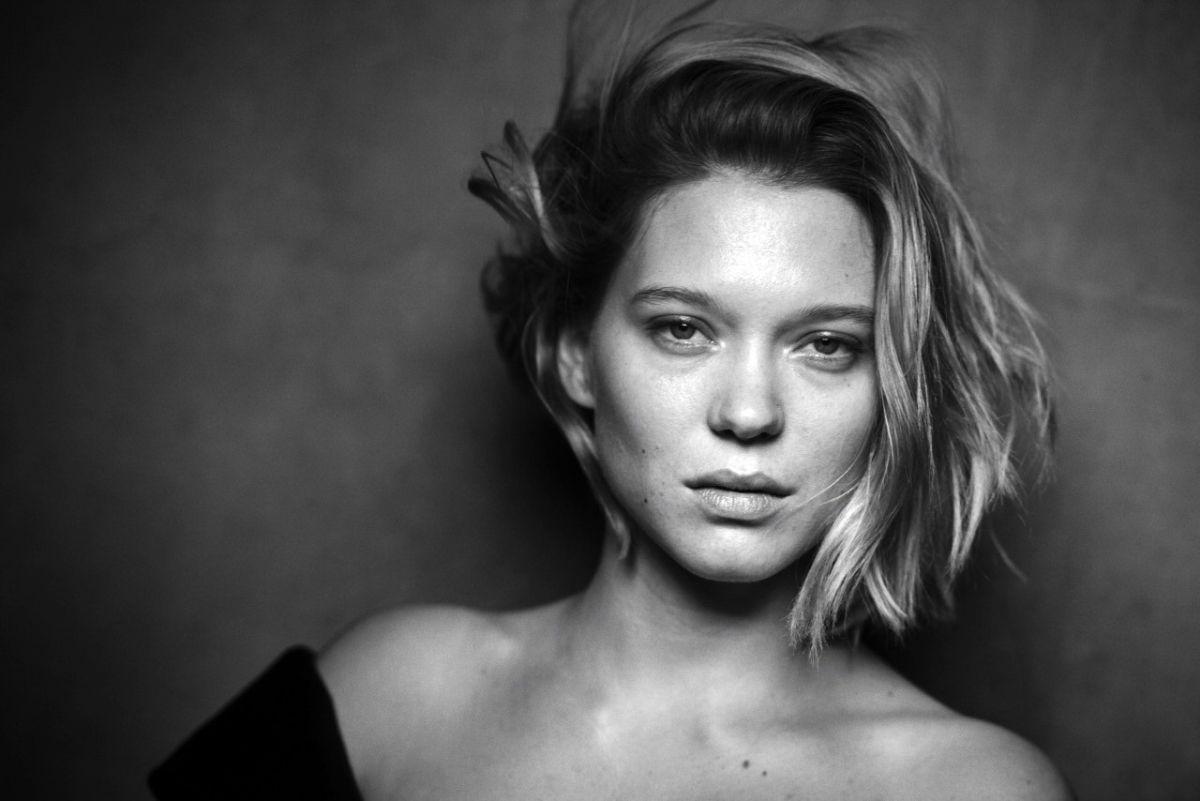 lea-seydoux-for-pirelli-calender-2017_1