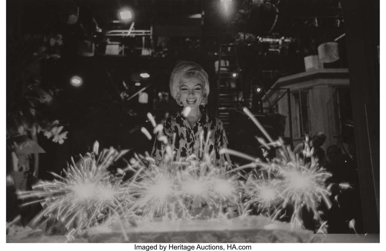 Ιούνιος 1962. Ακτινοβολώντας την ημέρα των γενεθλίων της