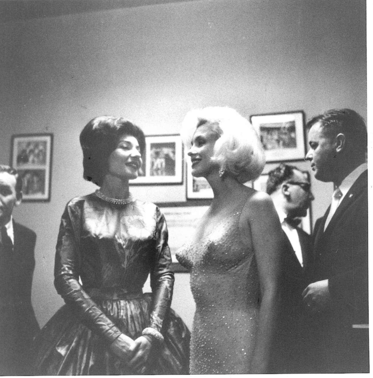 Με την Μέριλιν Μονροέ στο πάρτι γενεθλίων του Τζον Κένεντι, το 1962
