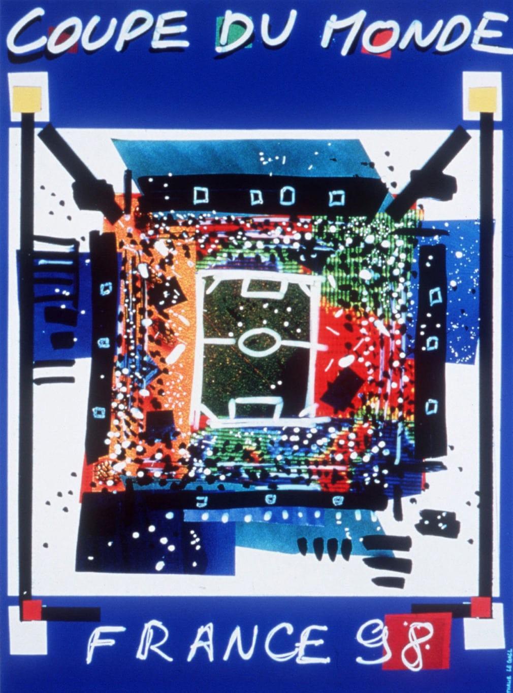 Γαλλία 1998. Το πόστερ που θυμίζει πρόχειρο σχέδιο παιδιού που όμως φέρνει σε πρώτο πλάνο αυτό που πρέπει: το γήπεδο