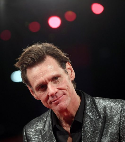 epa06186556 US actor Jim Carrey arrives for the premiere of 'Jim and Andy: The Great Beyond - The Story of Jim Carrey and Andy Kaufman' during the 74th Venice International Film Festival, in Venice, Italy, 05 September 2017. The festival runs from 30 August to 09 September 2017. EPA/CLAUDIO ONORATI