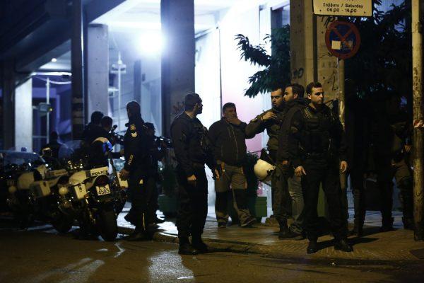 Πυροβολισμοί στα γραφεία του ΠΑΣΟΚ στην Χαριλάου Τρικούπη