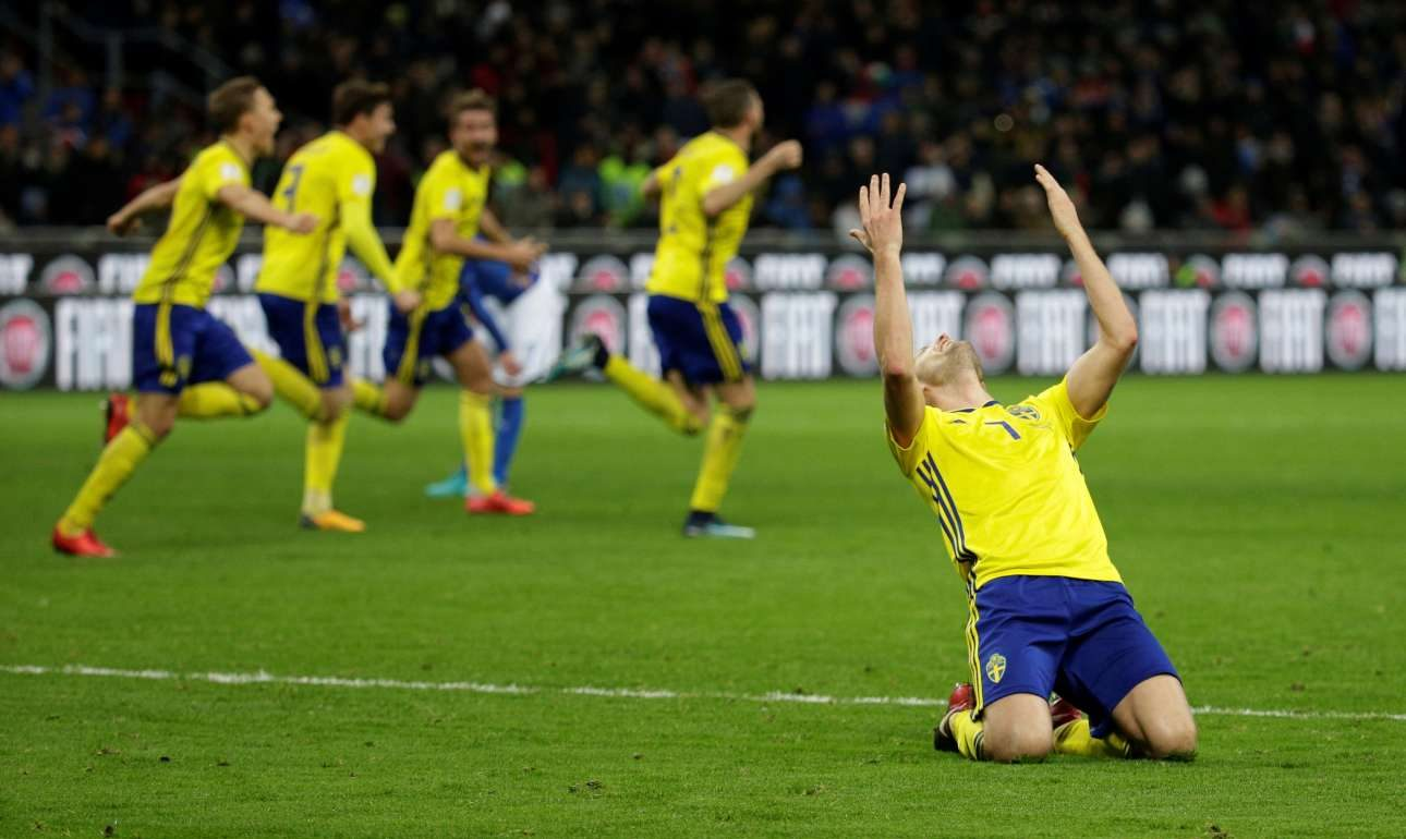 2017-11-13T214438Z_1078173464_RC12556EFD80_RTRMADP_3_SOCCER-WORLDCUP-ITA-SWE
