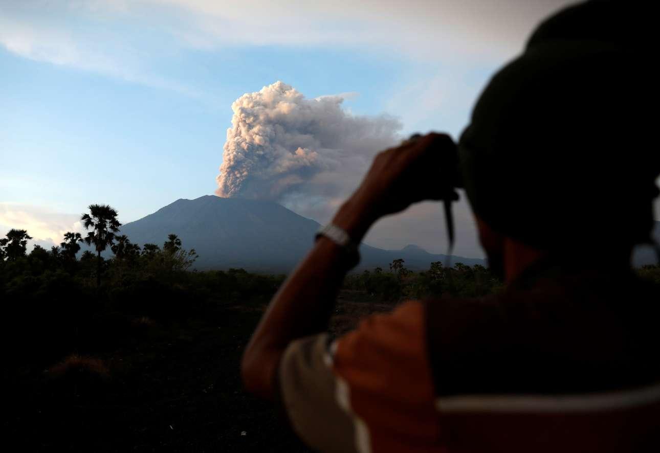 Φωτογραφίζοντας το ηφαίστειο που βρυχάται