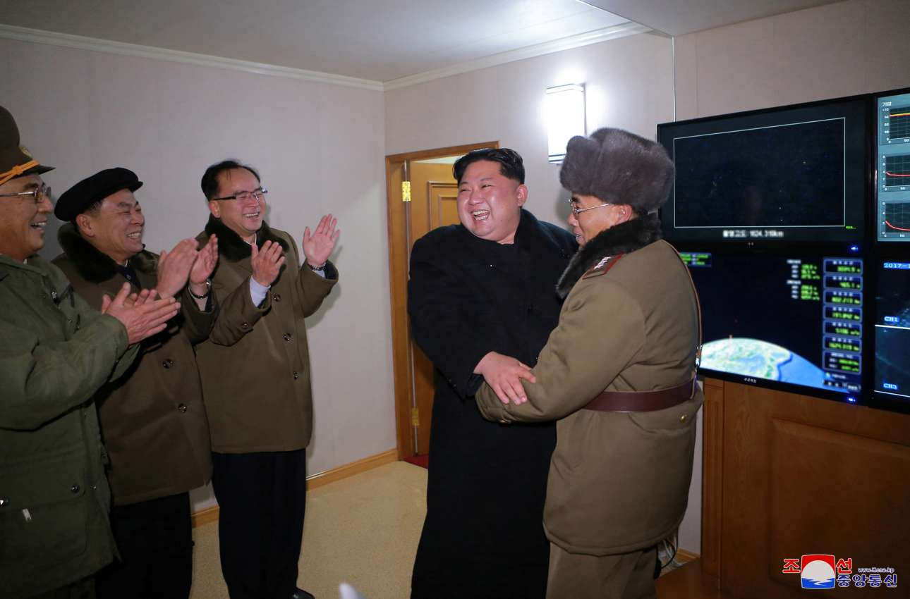 2017-11-29T223352Z_757325965_RC13967A88D0_RTRMADP_3_NORTHKOREA-MISSILES