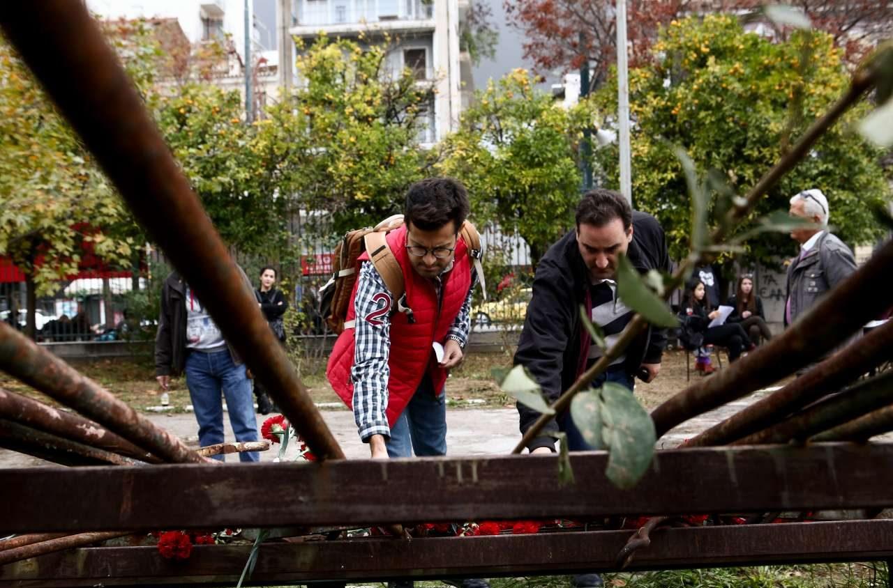 Το τέλος της κατάληψης μερικών δεκάδων αντιεξουσιαστών επέτρεψε τον εορτασμό της επετείου