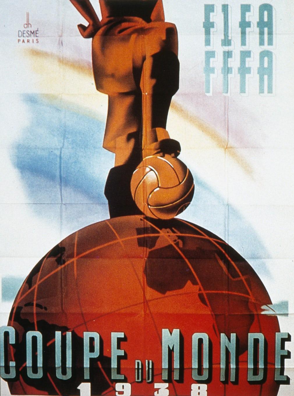 Γαλλία 1938. Η μπάλα πάνω από τον πλανήτη μας λίγο πριν ξεκινήσει ο Δεύτερος Παγκόσμιος Πόλεμος