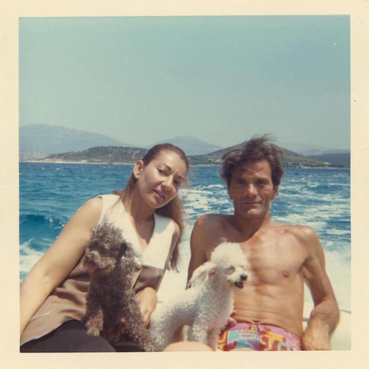 Διακοπές με τον Πιερ Πάολο Παζολίνι και τα αγαπημένα της σκυλιά