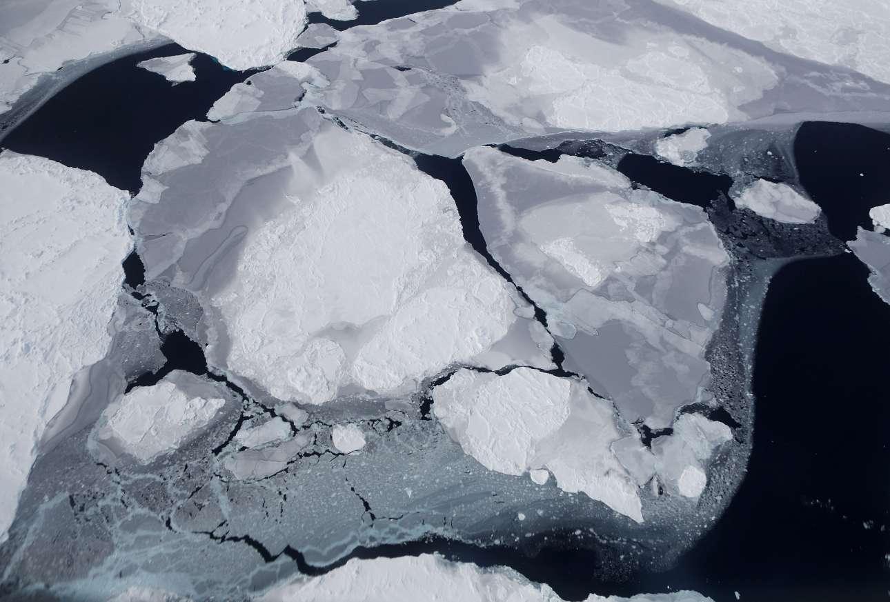 Τα τελευταία εννέα χρόνια, η αποστολή «IceBridge» της NASA πραγματοποιεί πολύωρες πτήσεις πάνω από την Ανταρκτική, καταγράφοντας τις αλλαγές που σημειώνονται στο πάχος και την έκταση των παγετώνων και πόσο αυτές συμβάλλουν στην άνοδο της στάθμης της θάλασσας παγκοσμίως