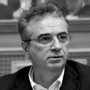 Γιάννης Μαγκριώτης