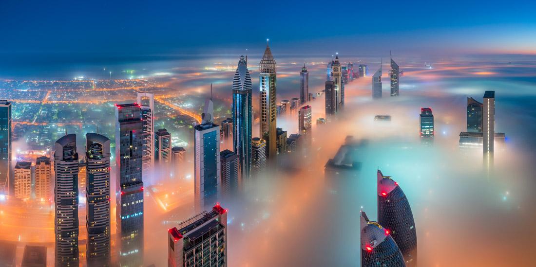 «Σκεπασμένο», φιναλίστ, κατηγορία Περιβάλλον/Αρχιτεκτονική. Ομίχλη πάνω από τους ουρανοξύστες του Ντουμπάι