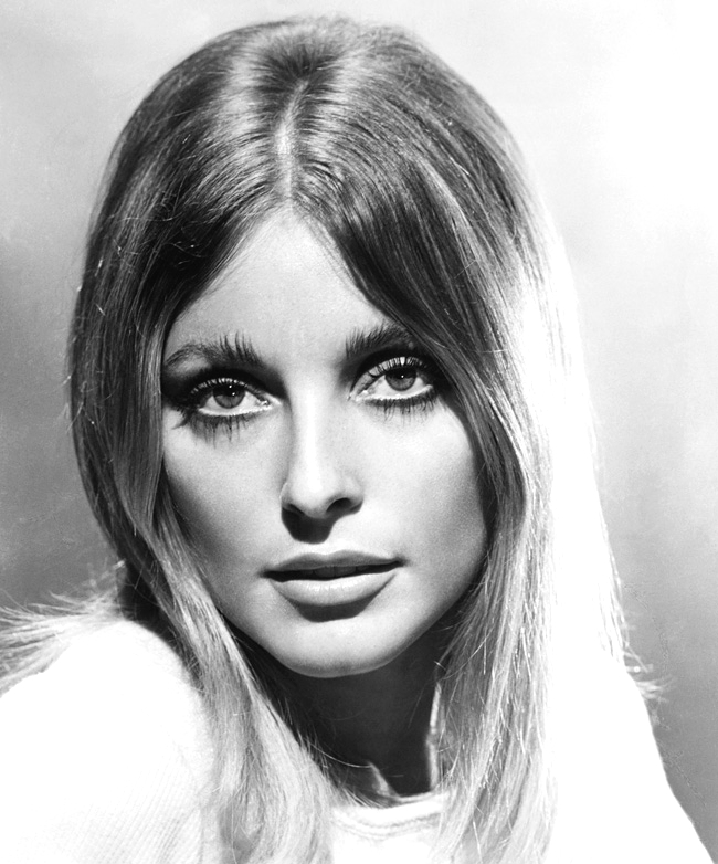 Sharon_Tate_Valley_of_the_Dolls_1967