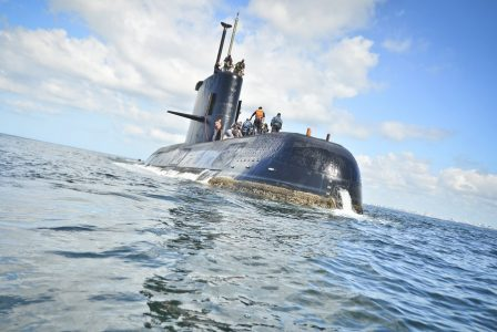 epa06336023 An undated handout photo made available by the Argentine Navy on 17 November 2017 shows the ARA San Juan submarine. The Argentine Navy said it has lost contact with the the submarine off the country's southern coast. The submarine with a crew of 44 has not made contact in 48 hours. Navy ships and aircraft are searching the area of last known location. EPA/ARGENTINA NAVY HANDOUT HANDOUT EDITORIAL USE ONLY/NO SALES