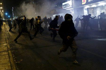 Διαδηλωτές συγκρούονται με άνδρες των ΜΑΤ  μετά το τέλος της πορείας της 44ης επετείου της εξέγερσης του Πολυτεχνείου το 1973,  στην Αθήνα, Παρασκευή 17 Νοεμβρίου 2017. Επεισόδια σημειώθηκαν στη λεωφόρο Αλεξάνδρας, μεταξύ αντιεξουσιαστών και αστυνομικών, μετά την ολοκλήρωση της πορείας για το Πολυτεχνείο.  ΑΠΕ ΜΠΕ /ΑΠΕ ΜΠΕ/ΓΙΑΝΝΗΣ ΚΟΛΕΣΙΔΗΣ ΑΠΕ-ΜΠΕ/ΑΠΕ-ΜΠΕ/ΓΙΑΝΝΗΣ ΚΟΛΕΣΙΔΗΣ