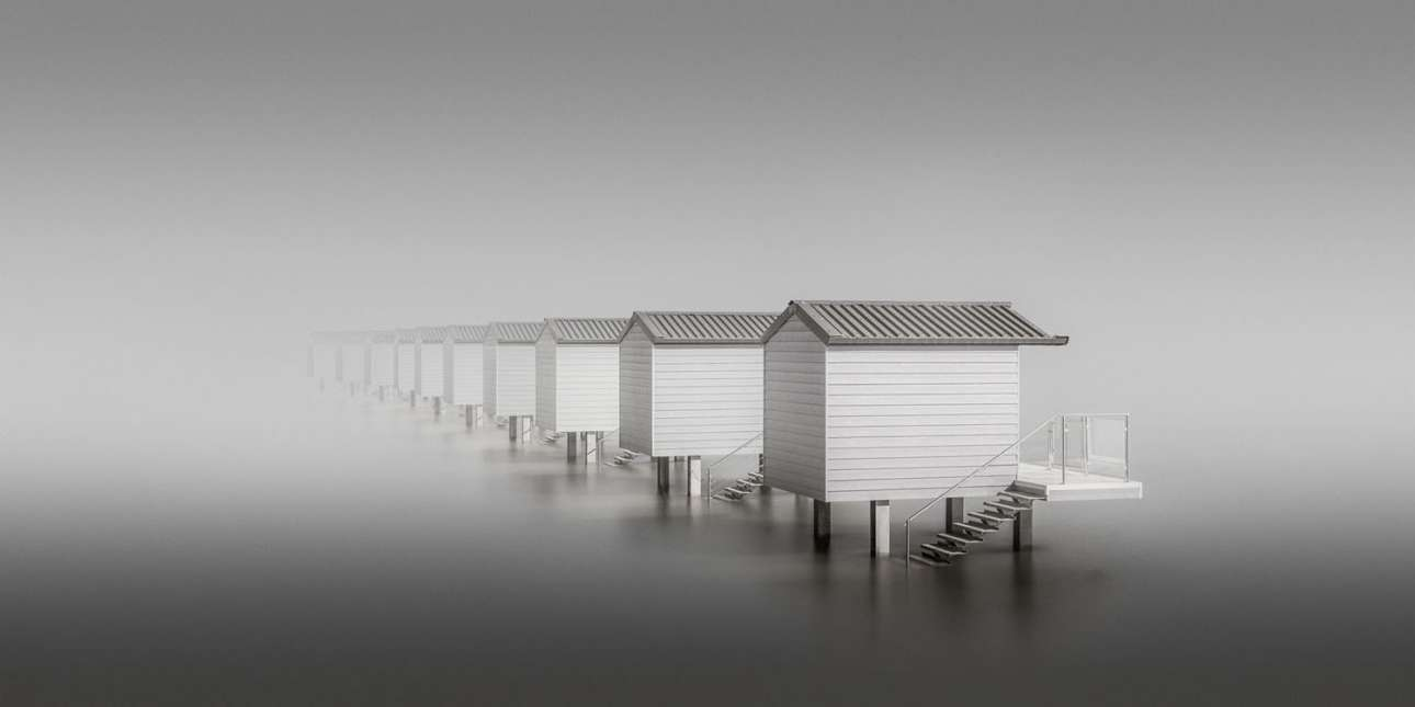 «Δέκα καλύβες». Πρώτο βραβείο Ερασιτεχνικής Φωτογραφίας. Καλύβες μίνιμαλ αρχιτεκτονικής σε ένα απομονωμένο τμήμα της ακτογραμμής του Εσεξ, στη Βρετανία
