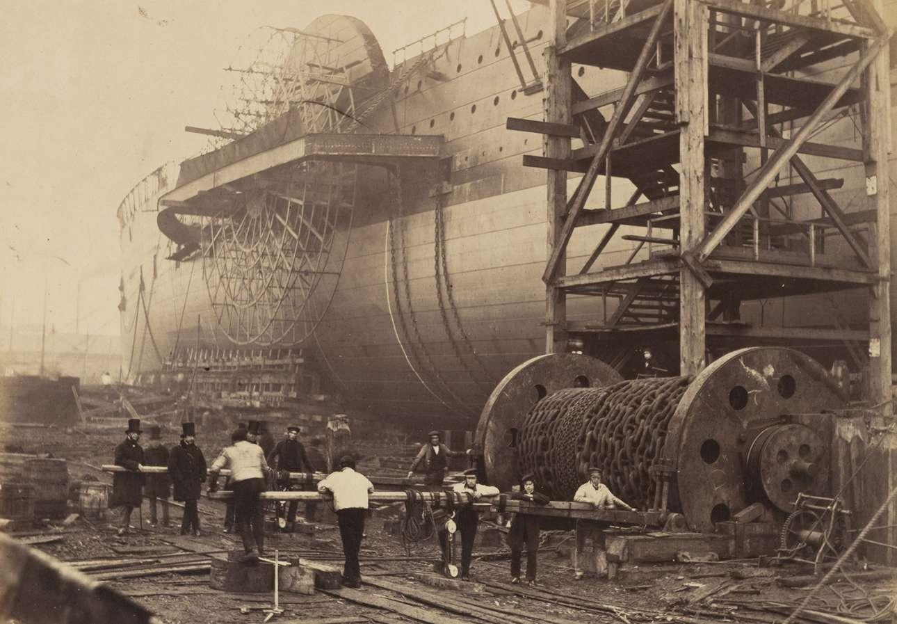Φωτογραφία από την ναυπήγηση του «Μεγάλου Ανατολικού», στις όχθες του ποταμού Τάμεση, στο Λονδίνο
