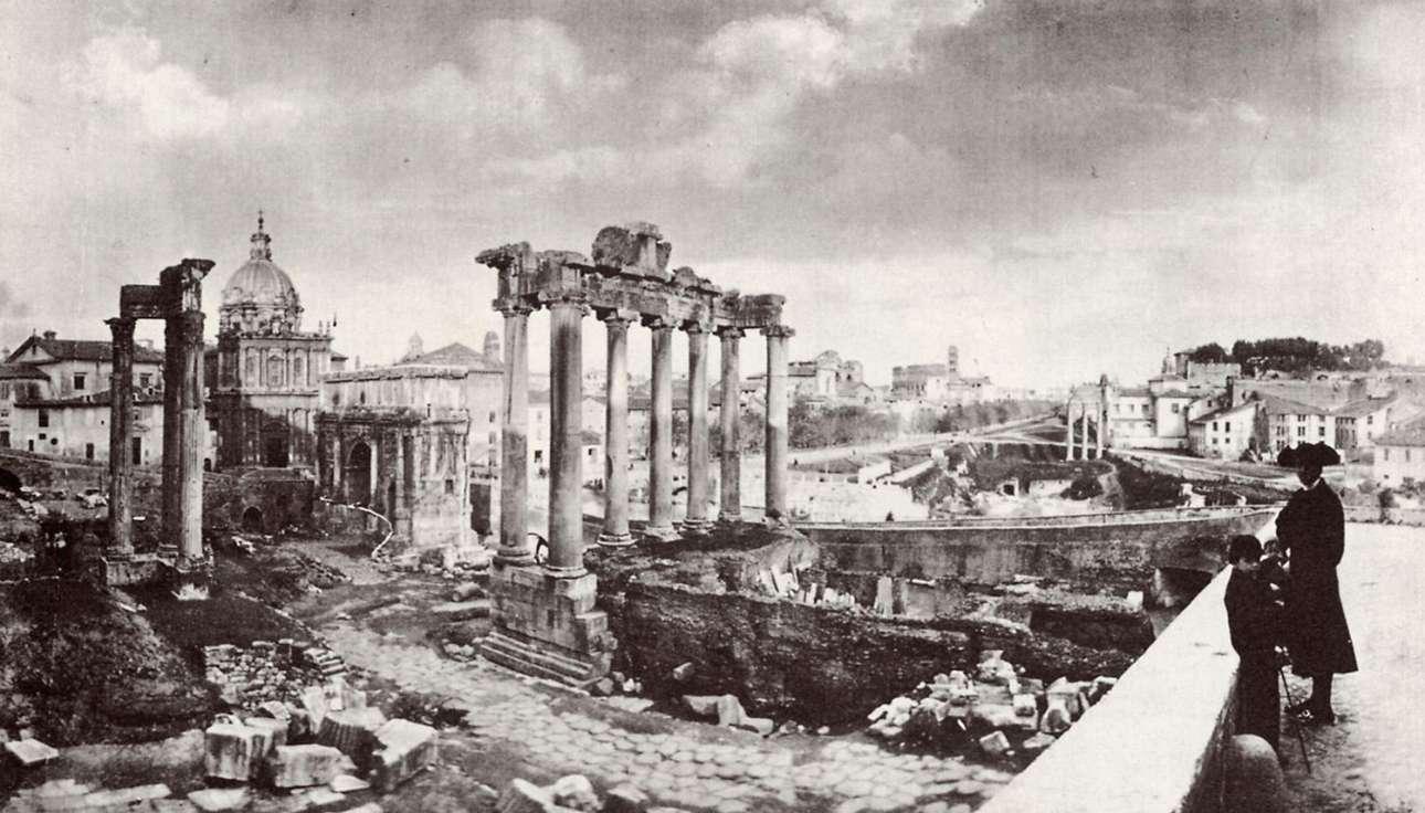 Ηγούμενος και οι μαθητές του σε επίσκεψη στη Ρωμαϊκή Αγορά της Ρώμης