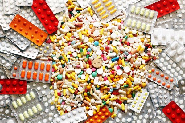 medicine pills_487182484