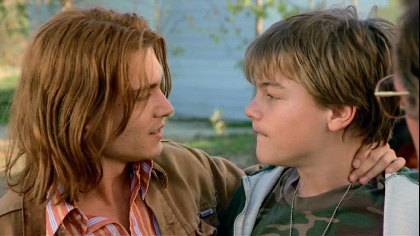 Με τον Τζόνι Ντεπ στο «What's Eating Gilbert Grape» (1993) του Λάσε Χάλστρομ. Ο Ντι Κάπριο ήταν υποψήφιος για Οσκαρ β' ανδρικού ρόλου