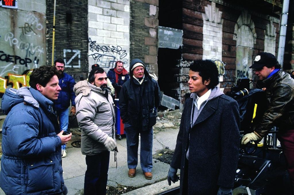 Με τον Μάικλ Τζάκσον το 1987 στα γυρίσματα του βίντεο-κλιπ για το «Bad»