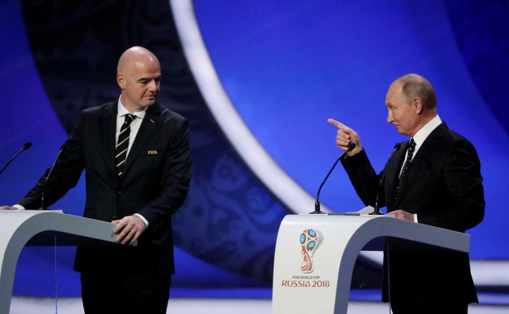 2017-12-01T150722Z_1533359105_RC16720F6F60_RTRMADP_3_SOCCER-WORLDCUP-DRAW