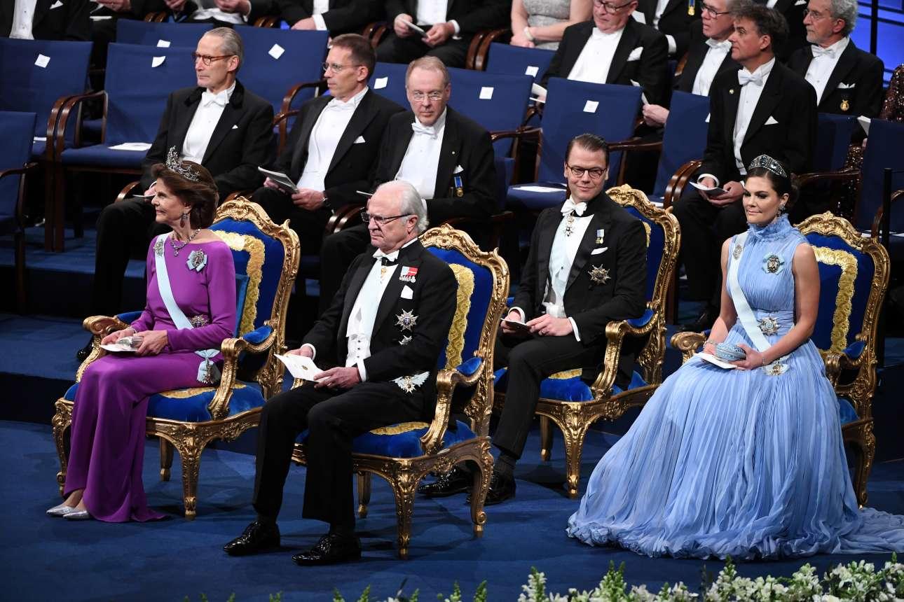 Η βασιλική οικογένεια της Σουηδίας: η βασίλισσα Σίλβια, ο βασιλιάς Καρλ Γκούσταφ, ο πρίγκιπας Ντάνιελ και η πριγκίπισσα Βικτωρία