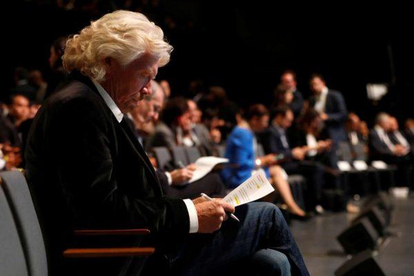 Και ο Ρίτσαρντ Μπράνσον ανάμεσα στους παριστάμενους για αυτή τη διάσκεψη ( REUTERS/Etienne Laurent/Pool)