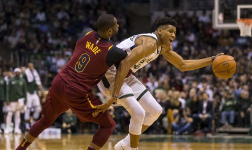 2017-12-20T033434Z_1972799539_NOCID_RTRMADP_3_NBA-CLEVELAND-CAVALIERS-AT-MILWAUKEE-BUCKS
