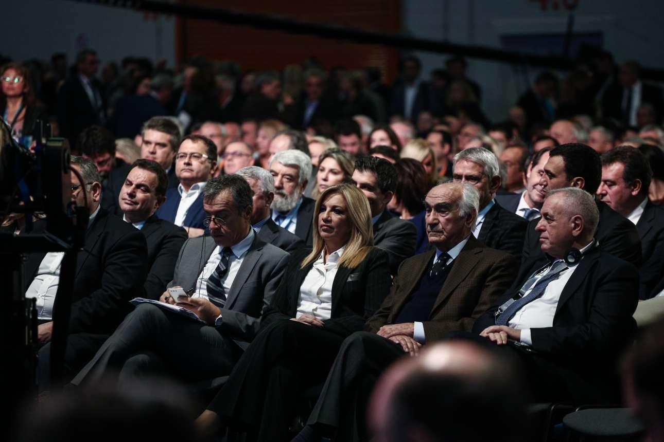 Αλλά τελικά και η Φώφη Γεννηματά παρέστη και χαιρέτισε την έναρξη των εργασιών στο 11ο συνέδριο της ΝΔ