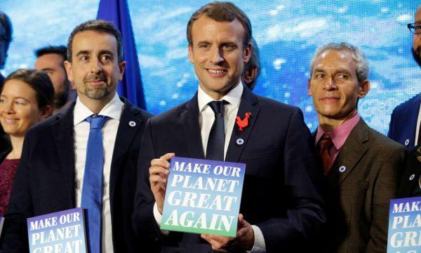 Το γαλλικό σύνθημα-τρολάρισμα προς τον αμερικανό πρόεδρο (Philippe Wojazer/Reuters)