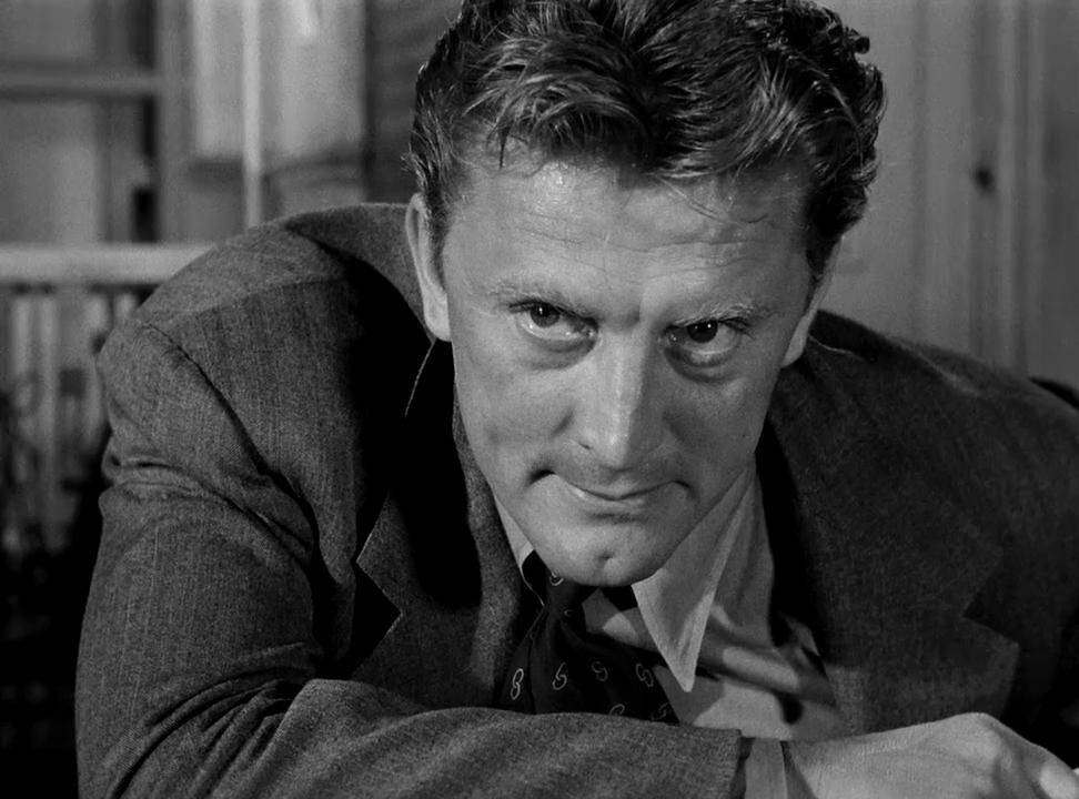 Ως ο σκληρός και αδέκαστος ντετέκτιβ Μακλέοντ στο «Detective Story», 1951
