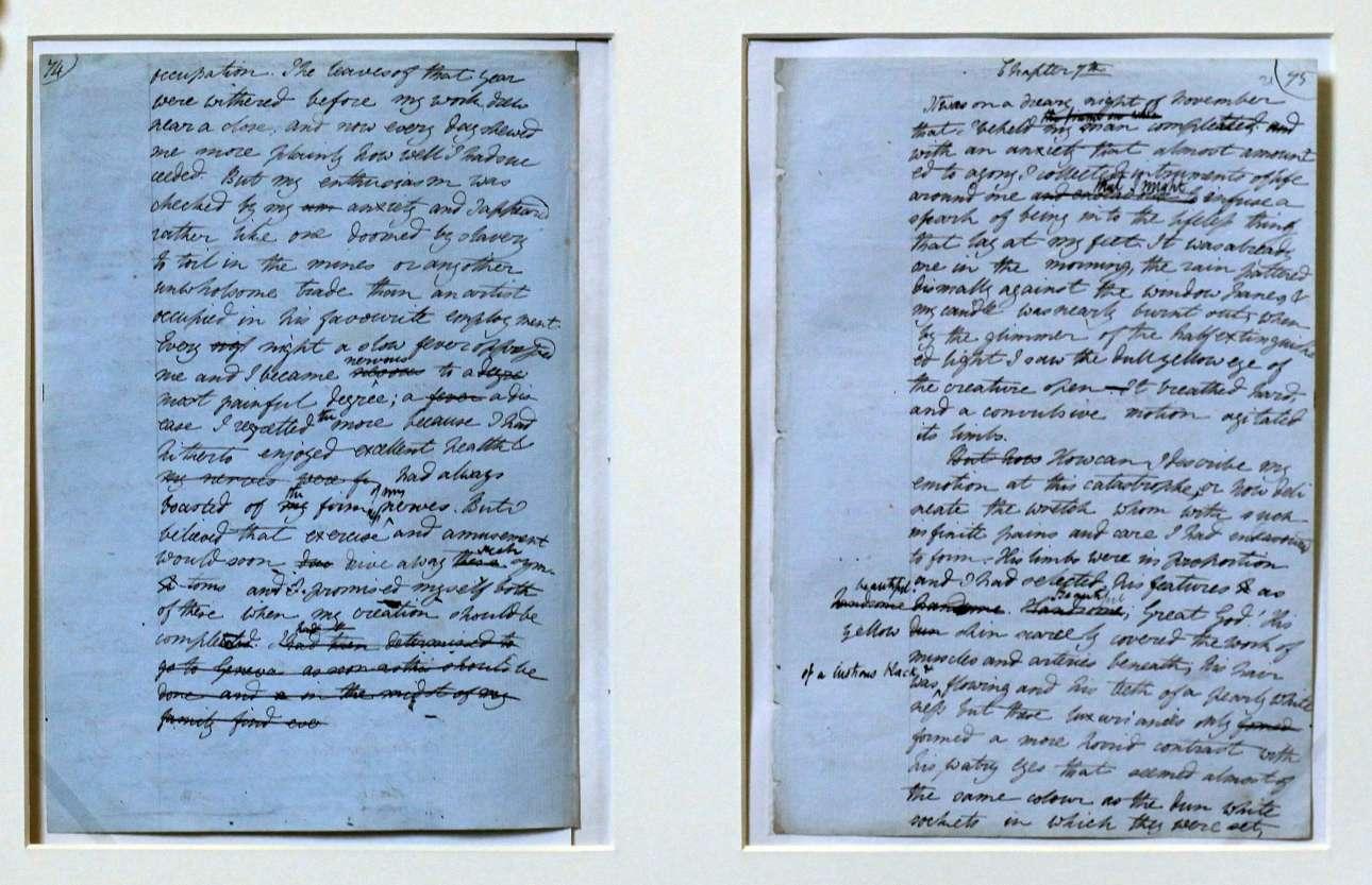 Ανέκδοτες σημειώσεις της Μαίρη Σέλλεϋ για τον Φρανκεστάιν, που εκτέθηκαν στην βιβλιοθήκη Μποντλιάν της Οξφόρδης το 2010 (Matt Cardy/Getty Images/Ideal Images)