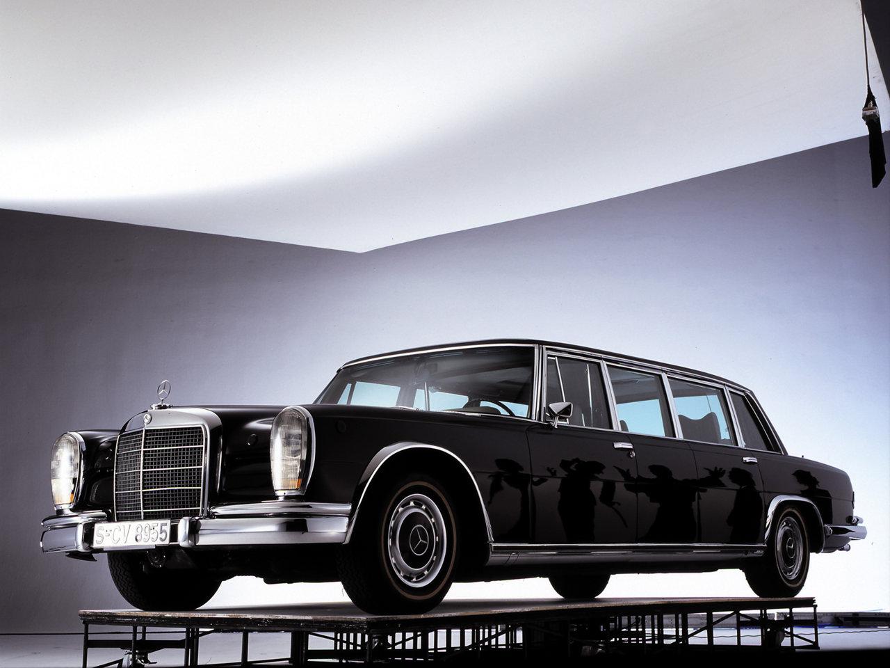 Mercedes-Benz-600-Pullman-Limousine-2