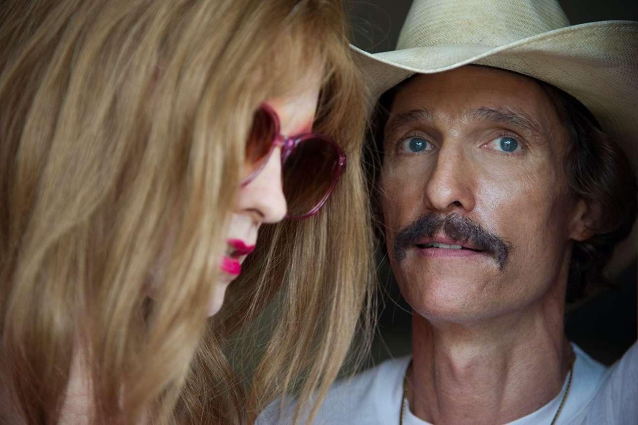O Μάθιου ΜακΚόναχι με τον Τζάρεντ Λέτο στο «Dallas Buyers Club» (2013) του Ζαν-Μαρκ Βαλέ. Και οι δύο πρωταγωνιστές τιμήθηκαν με Οσκαρ για τις ερμηνείες τους