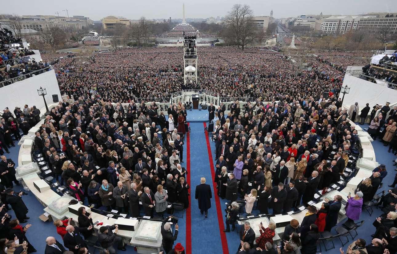 20 Ιανουαρίου. Ο Ντόναλντ Τραμπ καταφθάνει στο Καπιτώλιο στην Ουάσιγκτον, για την ορκωμοσία του ως ο 45ος πρόεδρος των ΗΠΑ