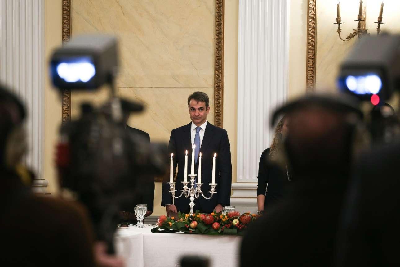 Ο πρόεδρος της ΝΔ Κυριάκος Μητσοτάκης έστρεψε και αυτός πάνω του τις κάμερες