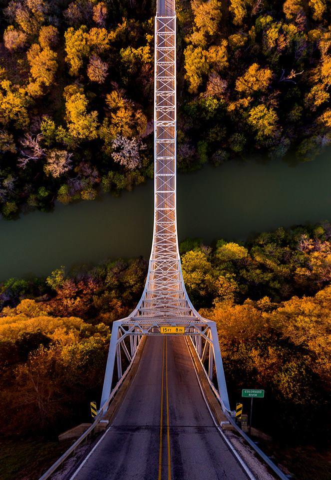 Μοιάζει με τσουλήθρα αλλά είναι μία ατσάλινη γέφυρα στο Σαν Σάμπα του Τέξας