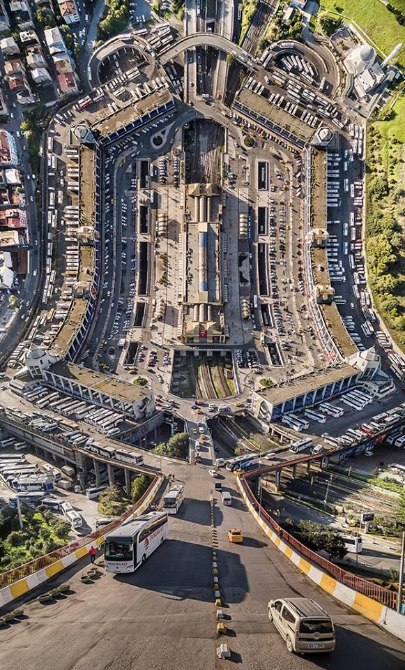 Ο κεντρικός σταθμός των λεωφορείων της Κωσταντινούπολης α λά Μπουγιουκτάς