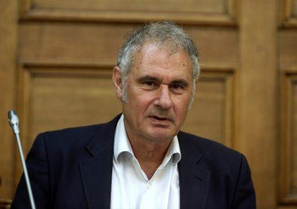 Ο πρόεδρος της Διαρκούς Επιτροπής Μορφωτικών Υποθέσεων της Βουλής Νίκος Σεβαστάκης παρίσταται στη συνεδρίαση της Επιτροπής με θέμα ημερήσιας διάταξης: Επεξεργασία και εξέταση του σχεδίου νόμου του Υπουργείου Παιδείας, Έρευνας και Θρησκευμάτων «Οργάνωση και λειτουργία της ανώτατης εκπαίδευσης, ρυθμίσεις για την έρευνα και άλλες διατάξεις», Αθήνα, τη Δευτέρα 24 Ιουλίου 2017. ΑΠΕ-ΜΠΕ/ΑΠΕ-ΜΠΕ/ΣΥΜΕΛΑ ΠΑΝΤΖΑΡΤΖΗ