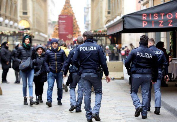 Οι Καραμπινιέροι δεν τα έχουν φέρει πάντα εις πέρας απέναντι στη Μαφία (REUTERS/Stefano Rellandini)