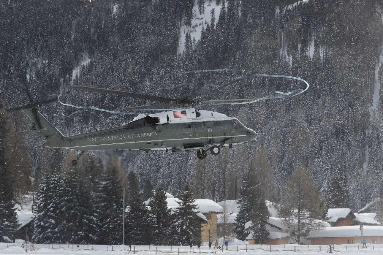 Το προεδρικό ελικόπτερο προσγειώνεται στο Νταβός