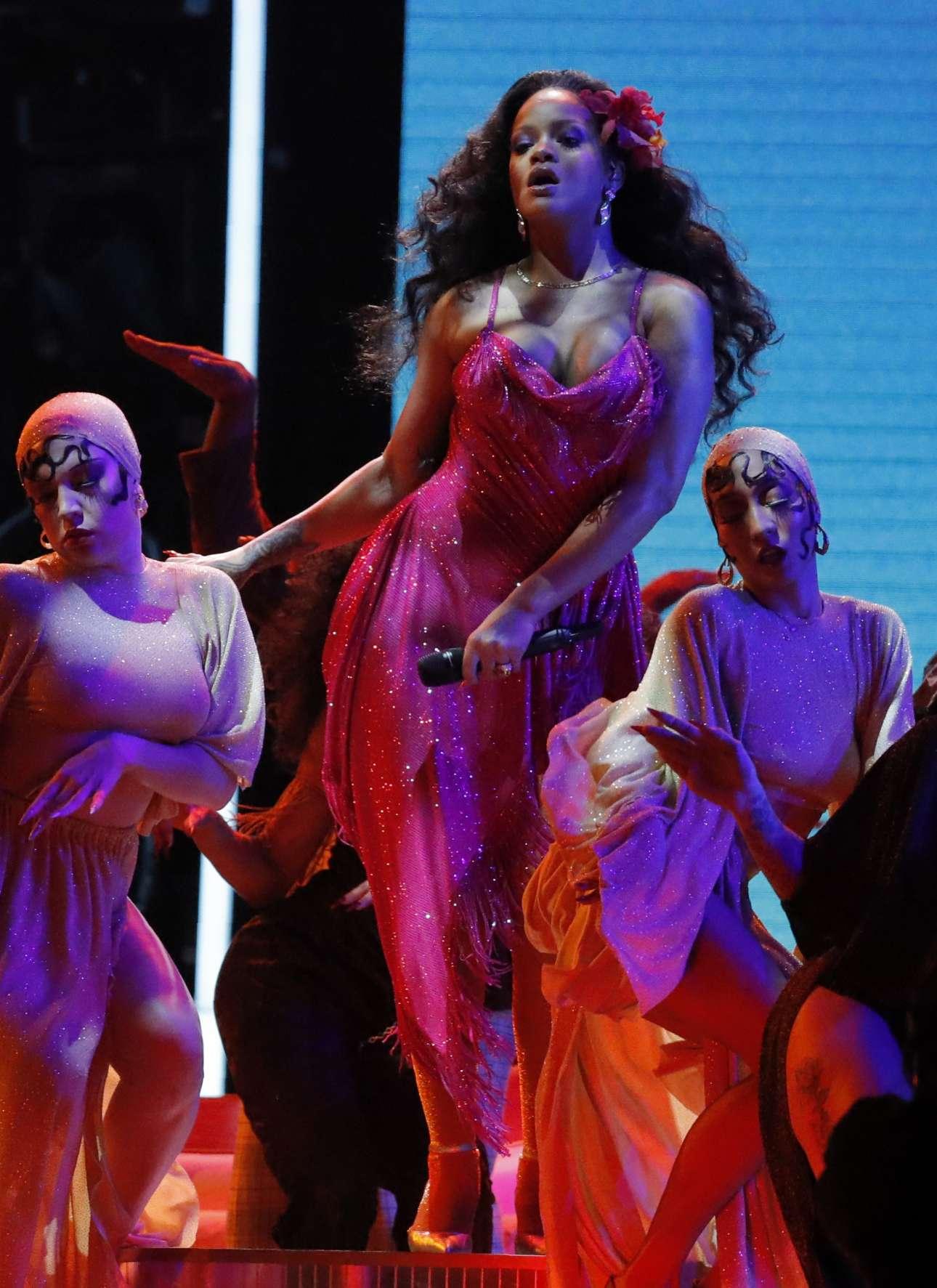 Η Ριάνα μοιράστηκε το βραβείο για την καλύτερη εμφάνιση στην κατηγορία Best rap/sung με τον Κέντρικ Λαμάρ