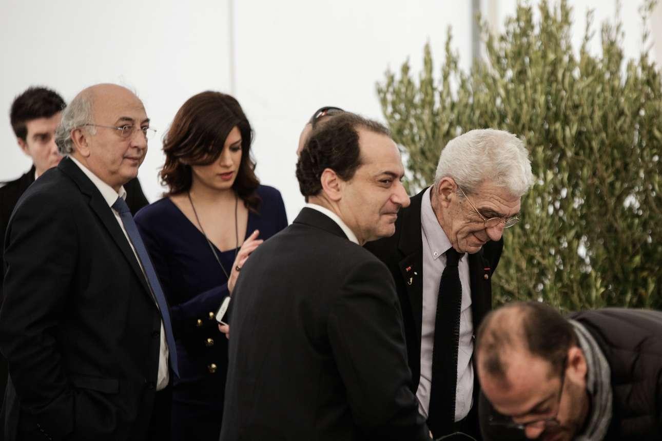 Κατερίνα Νοτοπούλου, στο κέντρο της φωτογραφίας, Γιάννης Αμανατίδης, αριστερά, Χρήστος Σπίρτζης και Γιάννης Μπουτάρης, δεξιά, στην εκδήλωση για το Μουσείο Ολοκαυτώματος