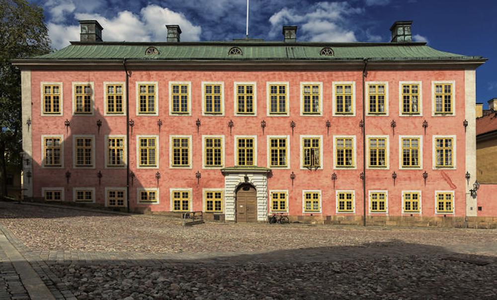 Το Παλάτι Στένμποκ, χτισμένο το 1640 στη Στοκχόλμη, το οποίο σήμερα στεγάζει το Ανώτατο Διοικητικό Δικαστήριο της Σουηδίας