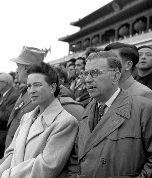 800px-Simone_de_Beauvoir_&_Jean-Paul_Sartre_in_Beijing_1955