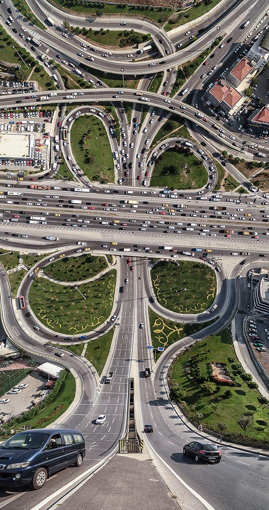 Ενα δαιδαλώδες δίκτυο δρόμων στην Κωνσταντινούπολη