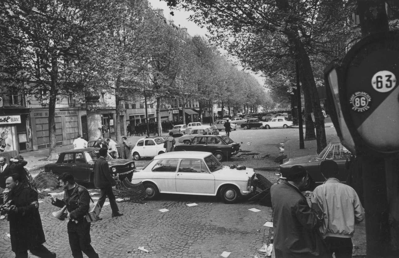 Οδοφράγματα στους δρόμους του Παρισιού στην εξέγερση του Μάη του '68