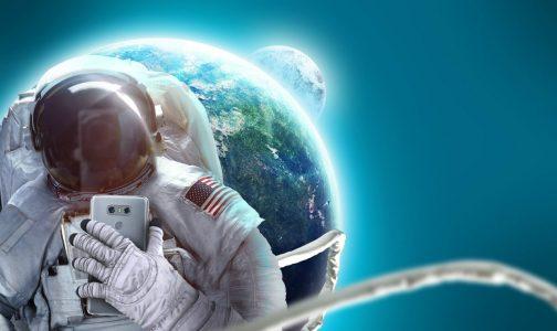 SELFI-museum-astronaut-1-1290