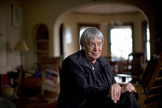 Πέθανε η εμβληματική συγγραφέας επιστημονικής φαντασίας Ούρσουλα Λε Γκεν