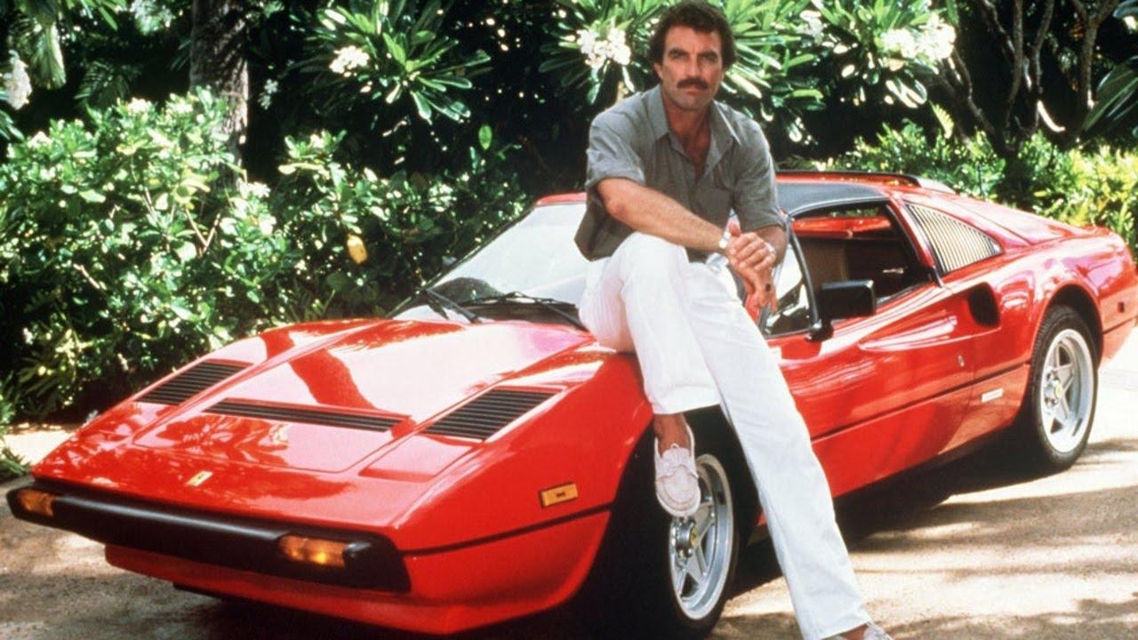Ferrari 308 GTS. Πρόκειται για την Quattrovalvole του 1984, η οποία πρωταγωνιστούσε στη σειρά «Magnum P.I» με τον Τομ Σέλεκ. Στα σπλάχνα της είχε τον V8 3,0-λίτρων κινητήρα που συνδυάζεται με ένα πεντατάχυτο μηχανικό κιβώτιο, απόδοσης 232 ίππων. Είναι μια από τις τρεις Ferrari 308 που χρησιμοποιήθηκαν για τις ανάγκες των γυρισμάτων της σειράς που ξεκίνησε το 1980 και σταμάτησε το 1988